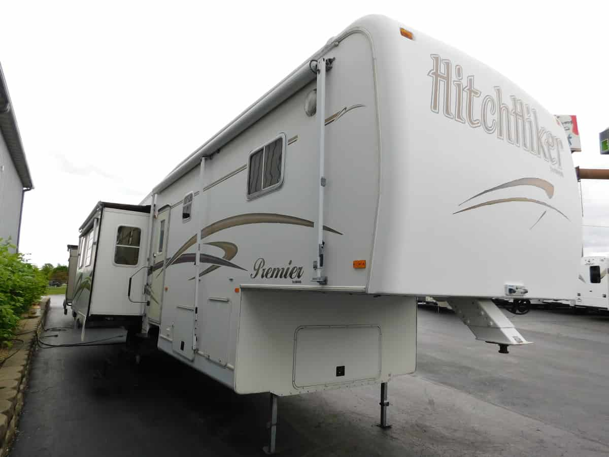 USED 2000 Nuwa HITCH HIKER 35.5 LKTG - Rick's RV Center