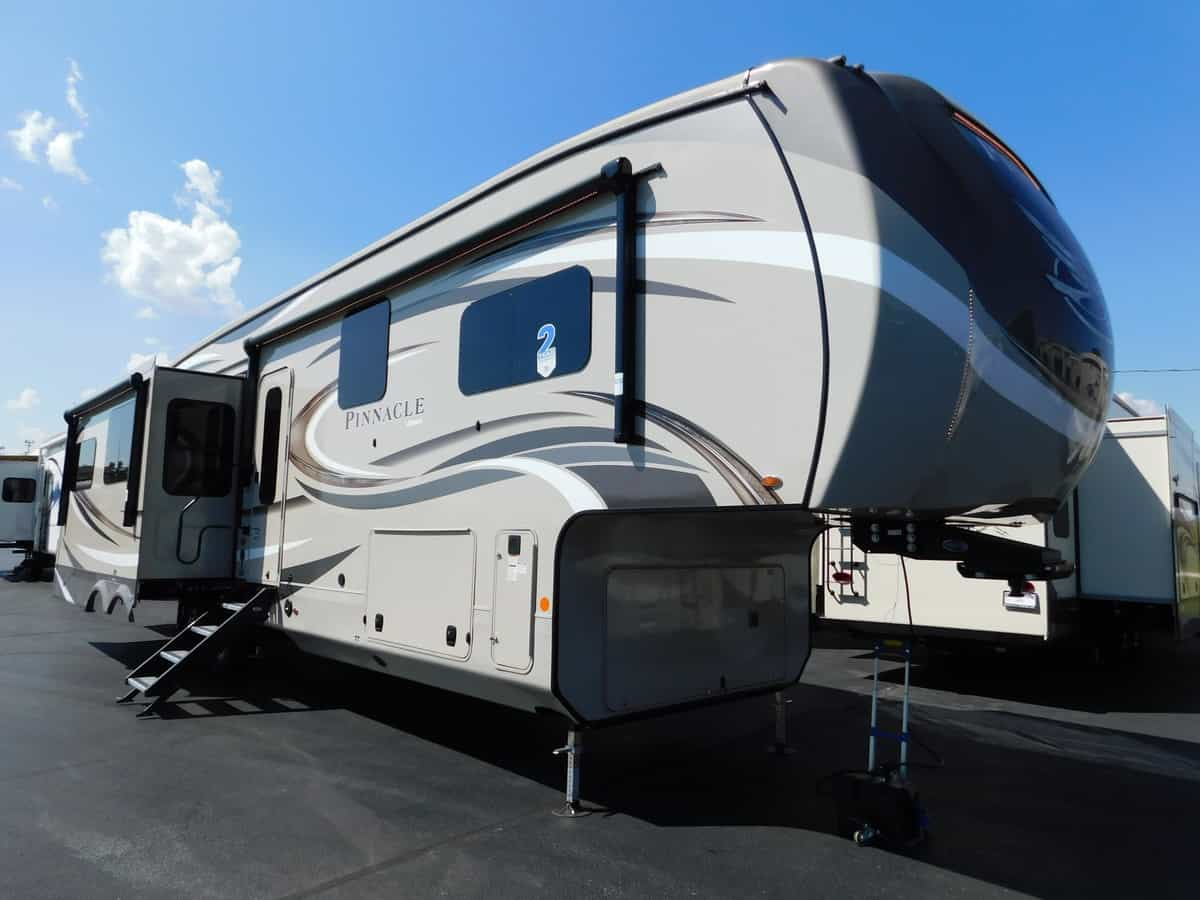 NEW 2019 Jayco PINNACLE 36KPTS - Rick's RV Center