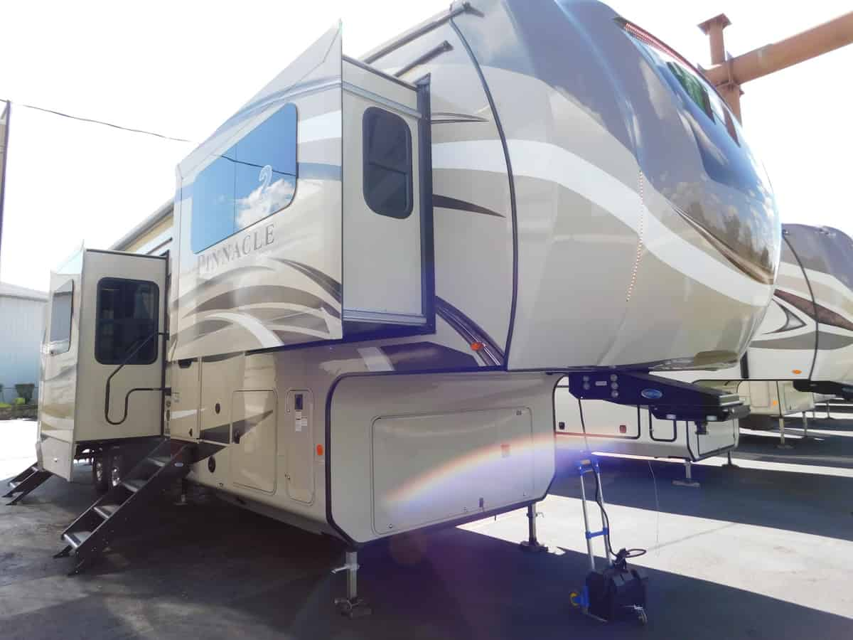 NEW 2019 Jayco PINNACLE 38FLWS - Rick's RV Center