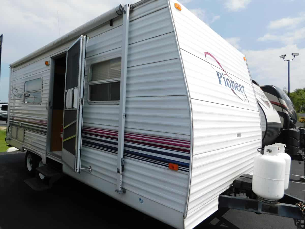 USED 2001 Fleetwood PIONEER 19 - Rick's RV Center