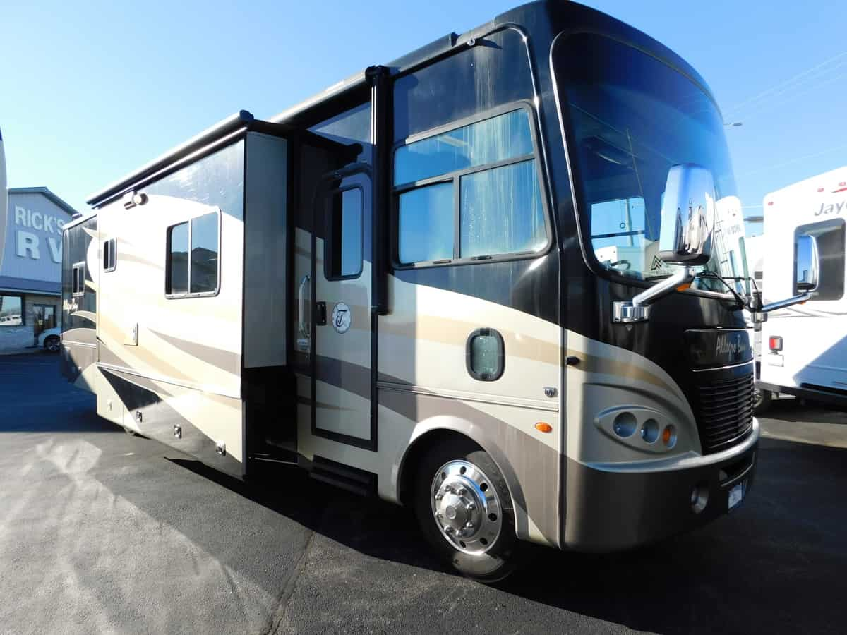 USED 2009 Tiffin Motorhomes ALLEGRO BAY 38TGB - Rick's RV Center