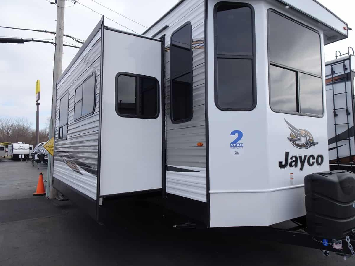 NEW 2019 Jayco JAY FLIGHT BUNGALOW 40LOFT - Rick's RV Center