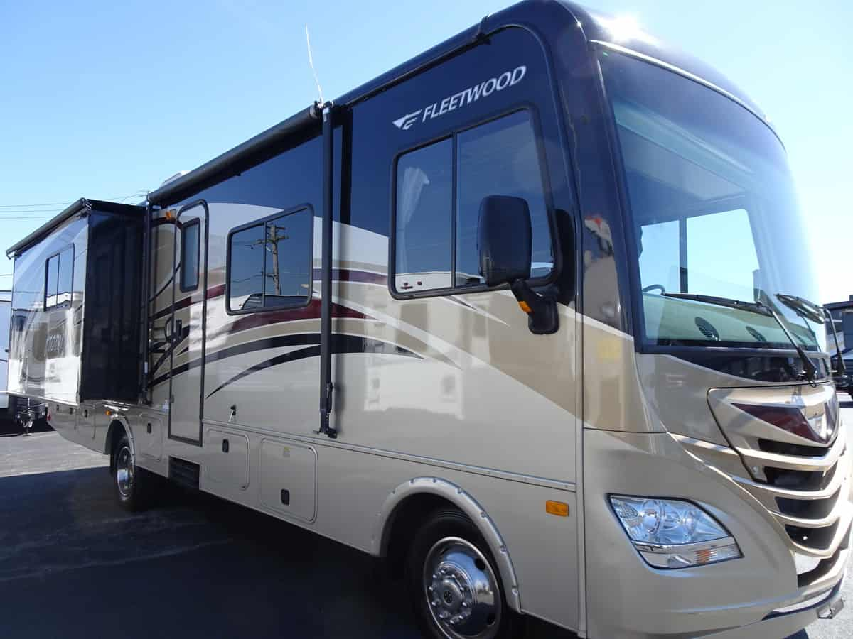 USED 2014 Fleetwood STORM 32H - Rick's RV Center
