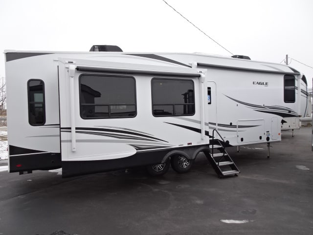 NEW 2021 Jayco Eagle 321RSTS