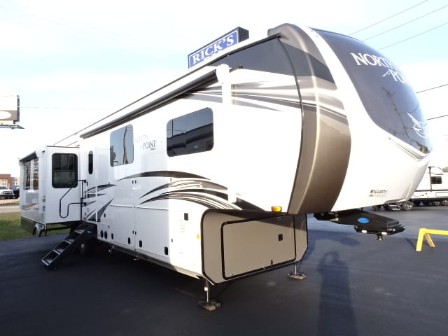 NEW 2021 Jayco NORTH POINT 377RLBH
