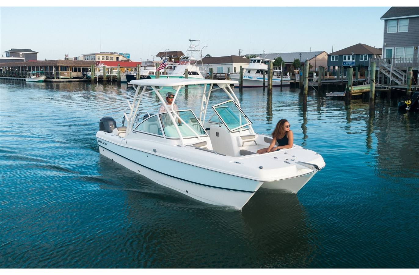 2019 World Cat 230DC Dual Console - Sara Bay Marina