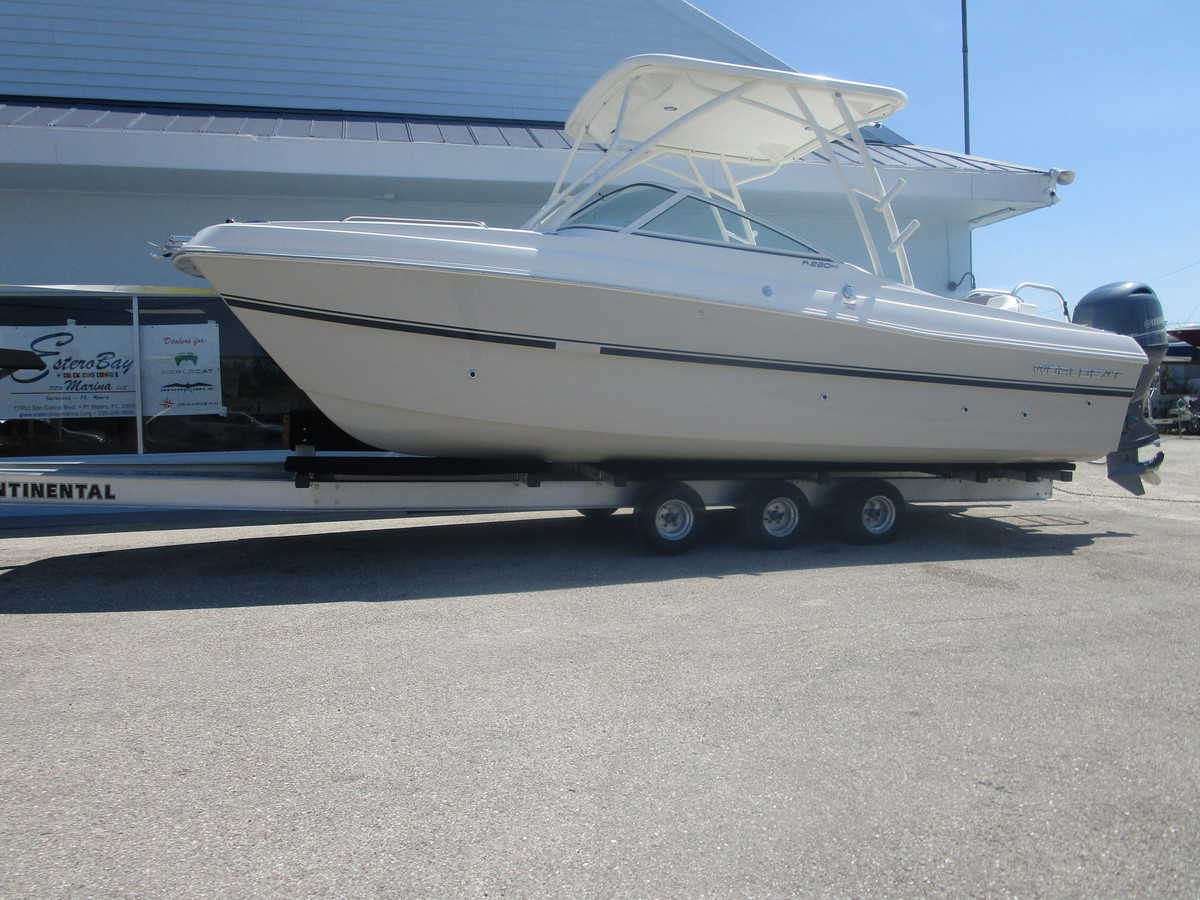 NEW 2019 World Cat 230SD Sun Deck - Sara Bay Marina