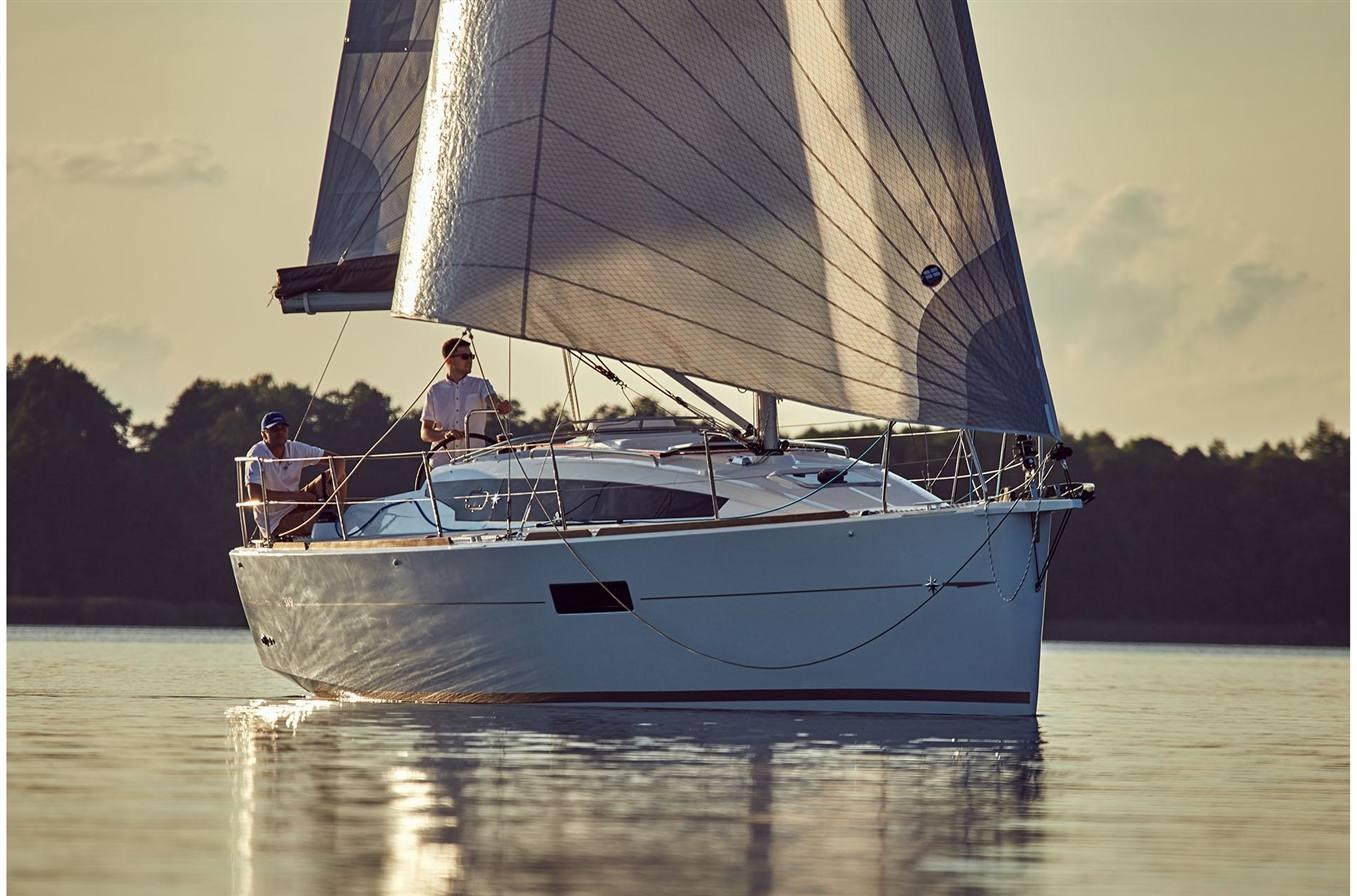 2019 Jeanneau Sun Odyssey 319 - Sara Bay Marina