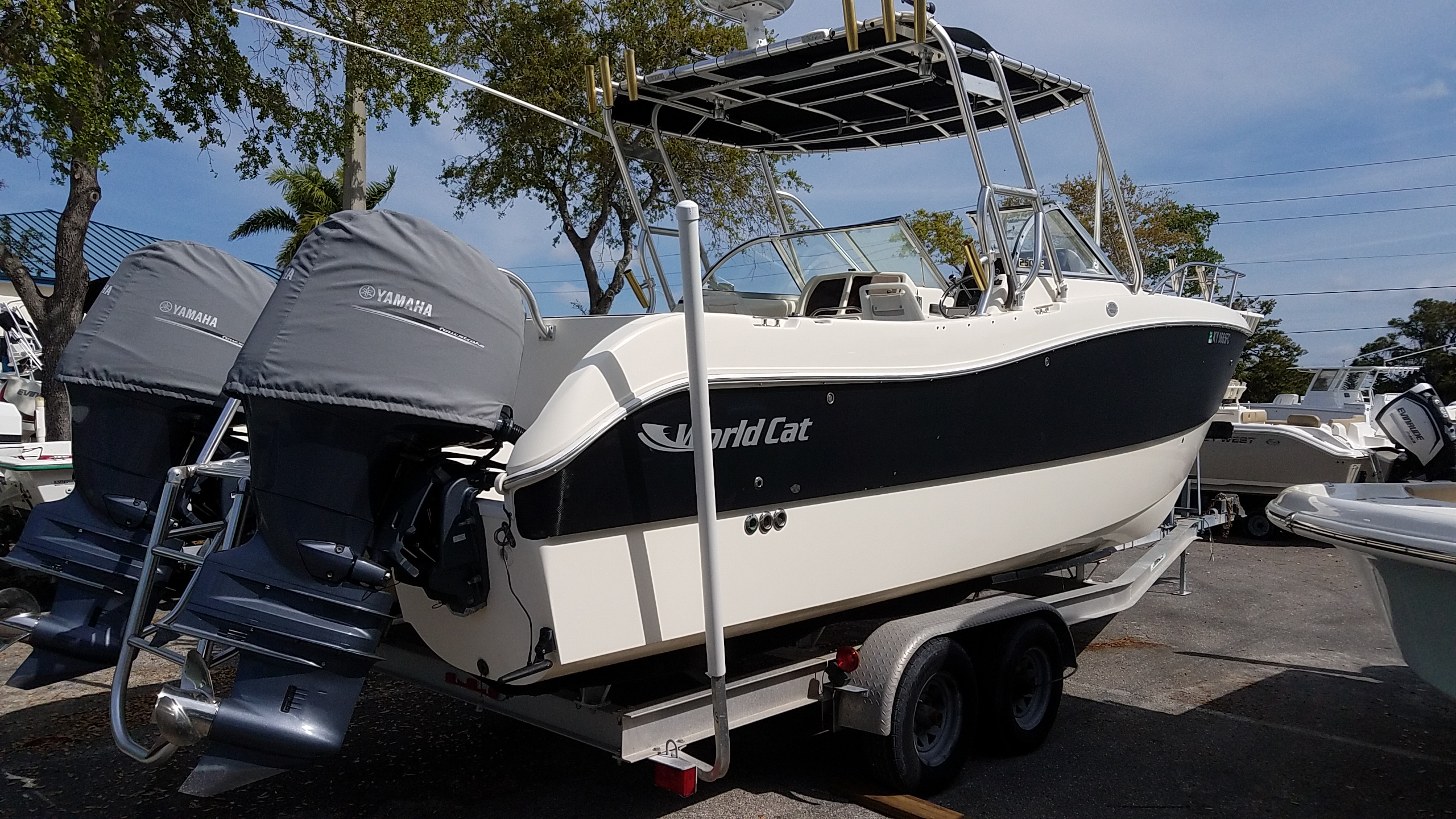 Used 2003 World Cat Dual Console 250DC - Sara Bay Marina