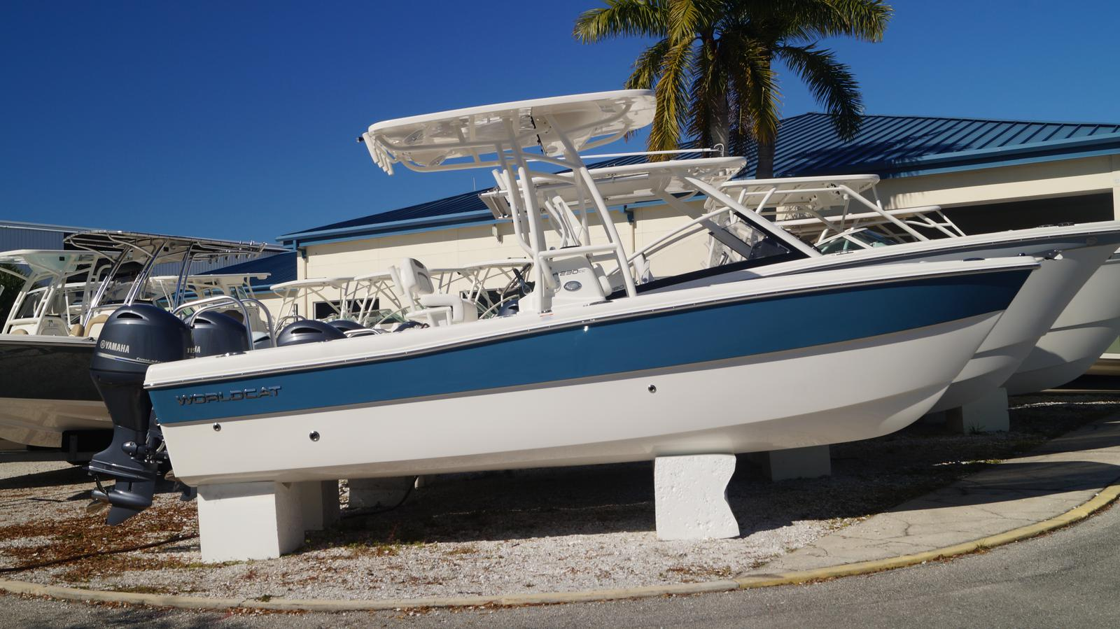 NEW 2019 World Cat 230CC Center Console - Sara Bay Marina