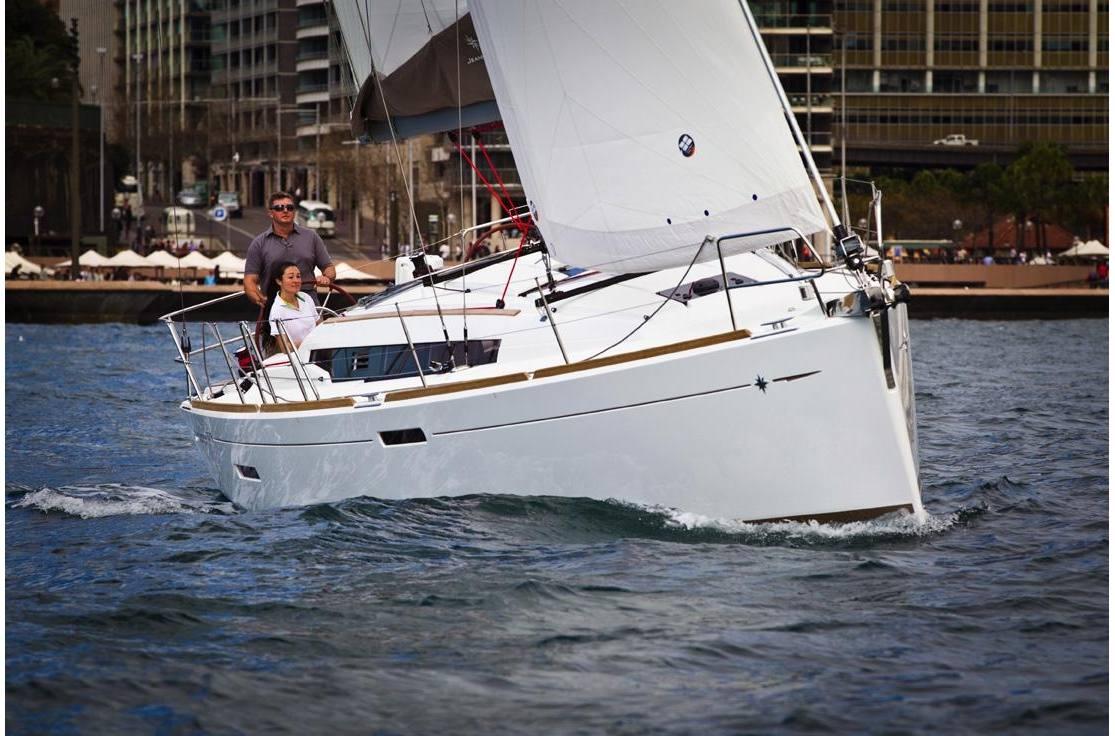 2019 Jeanneau Sun Odyssey 389 - Sara Bay Marina