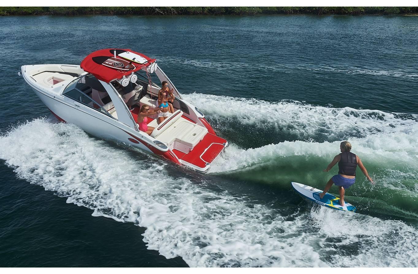 2019 Cobalt R5 Surf - Sara Bay Marina