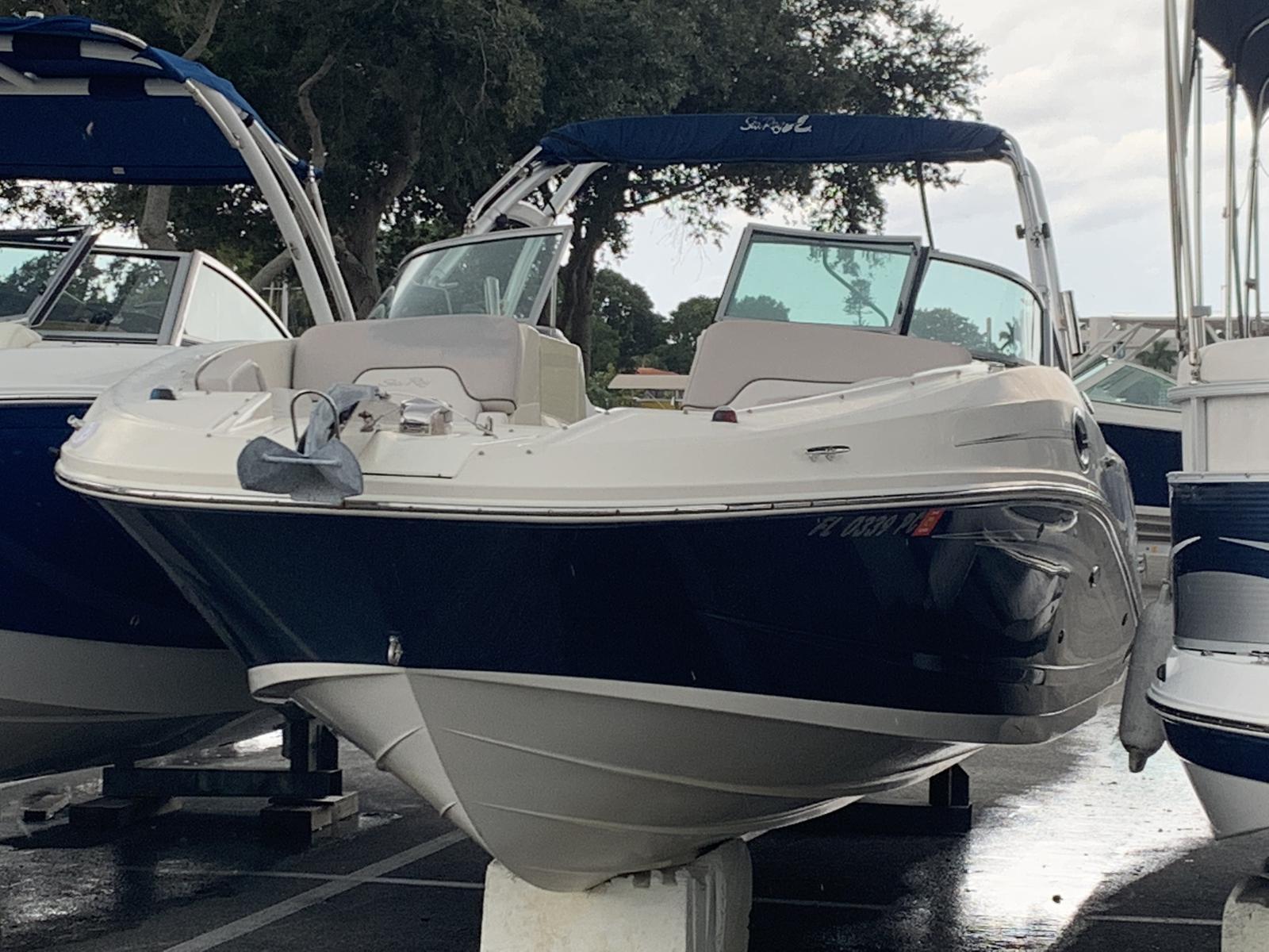 USED 2010 Sea Ray 300 Sundeck® Boat - Sara Bay Marina