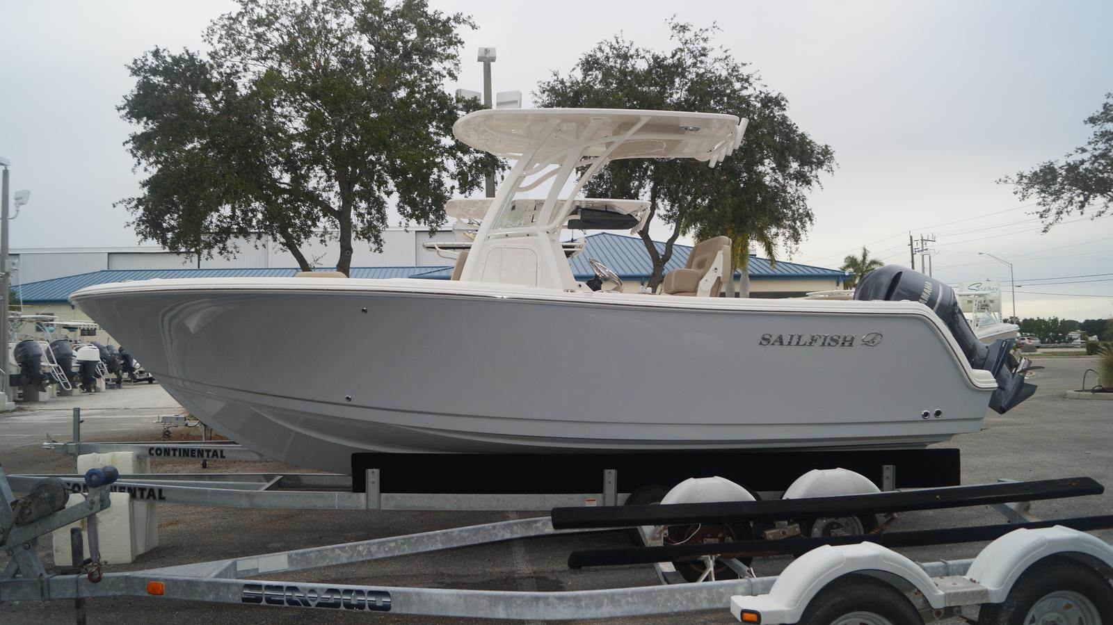 NEW 2019 Sailfish 241 CC - Sara Bay Marina