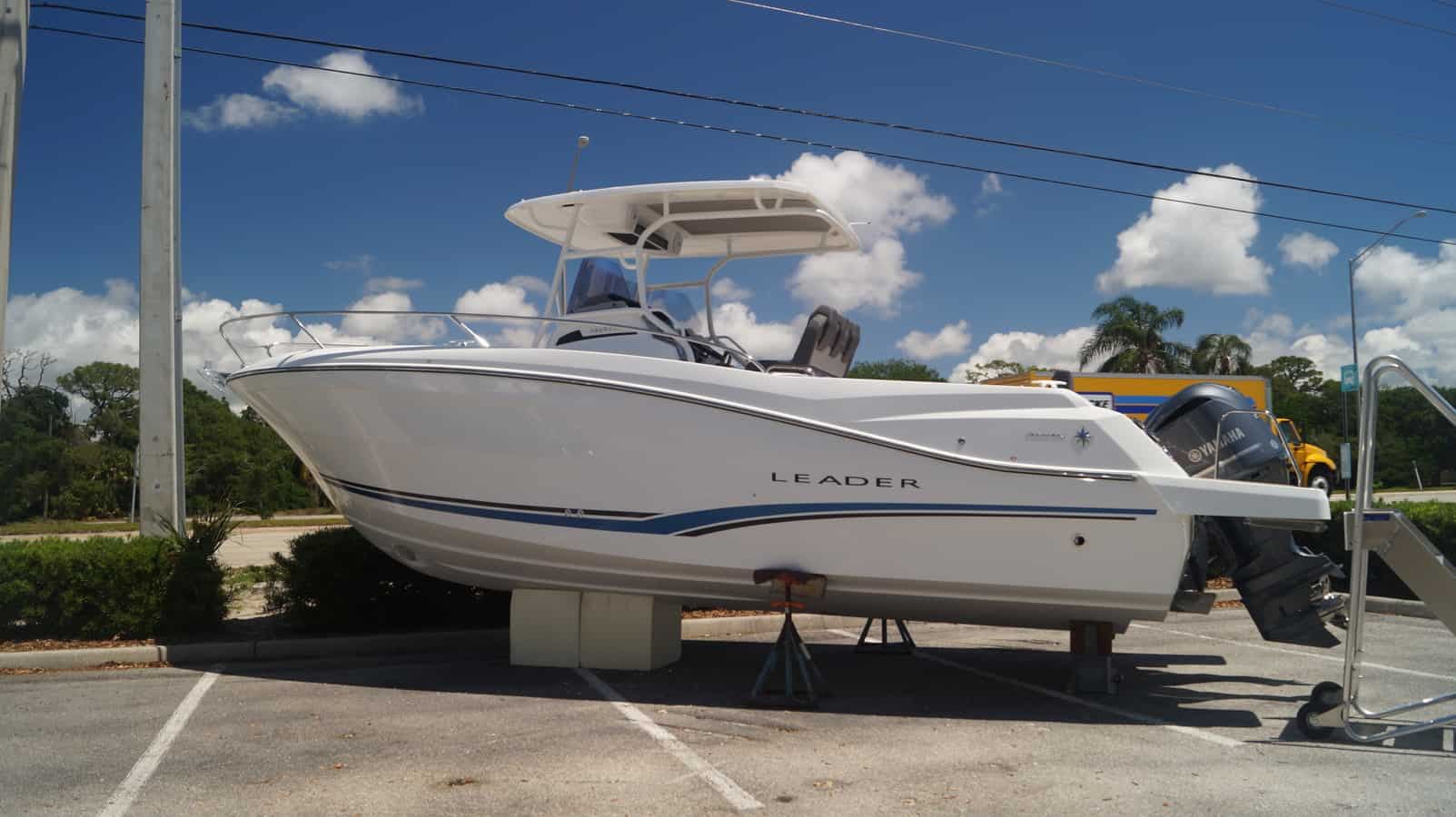 NEW 2019 Jeanneau Leader 9.0 CC - Sara Bay Marina