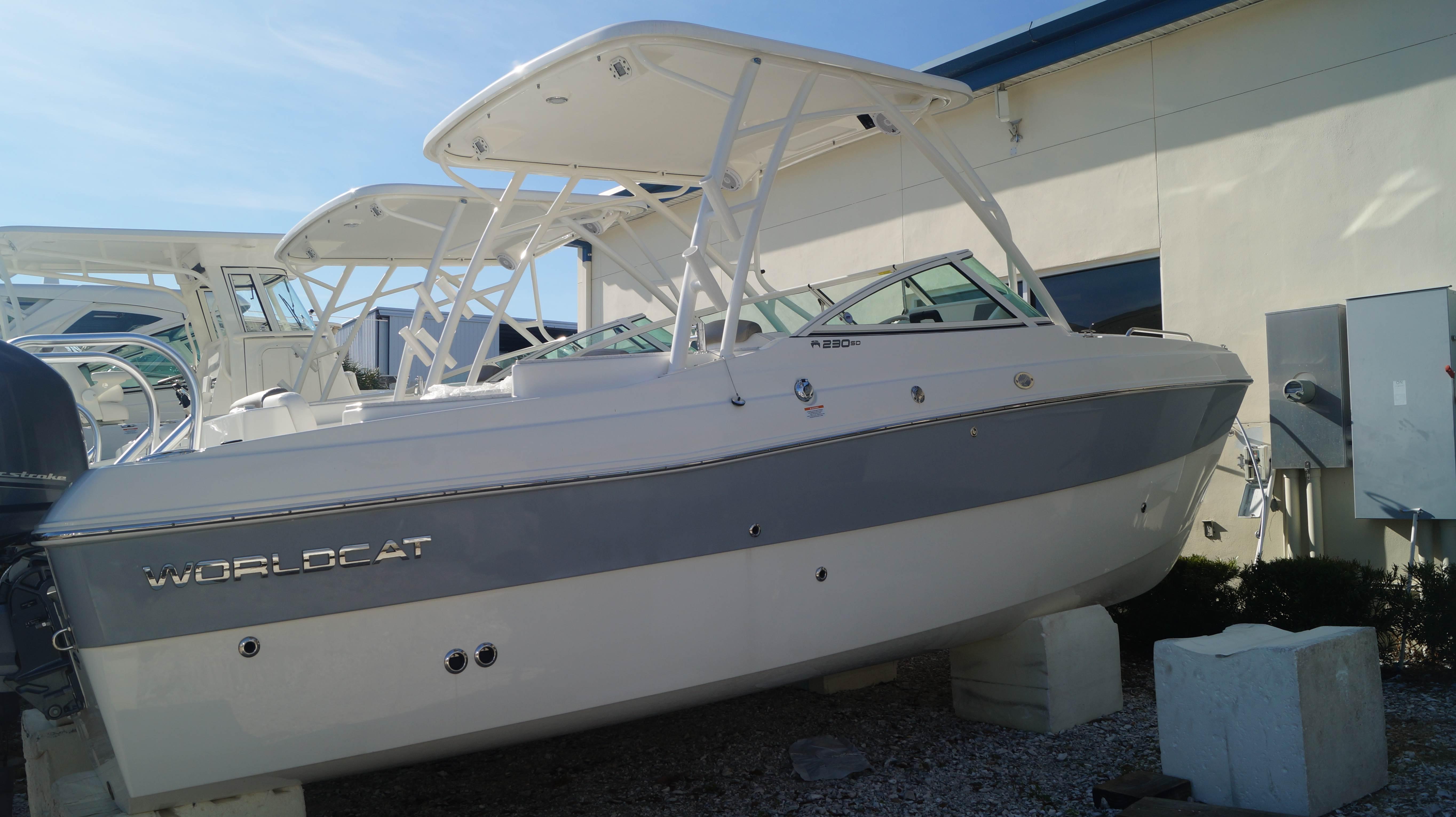 NEW 2019 World Cat 230SD Sun Deck - Sara Bay Marina
