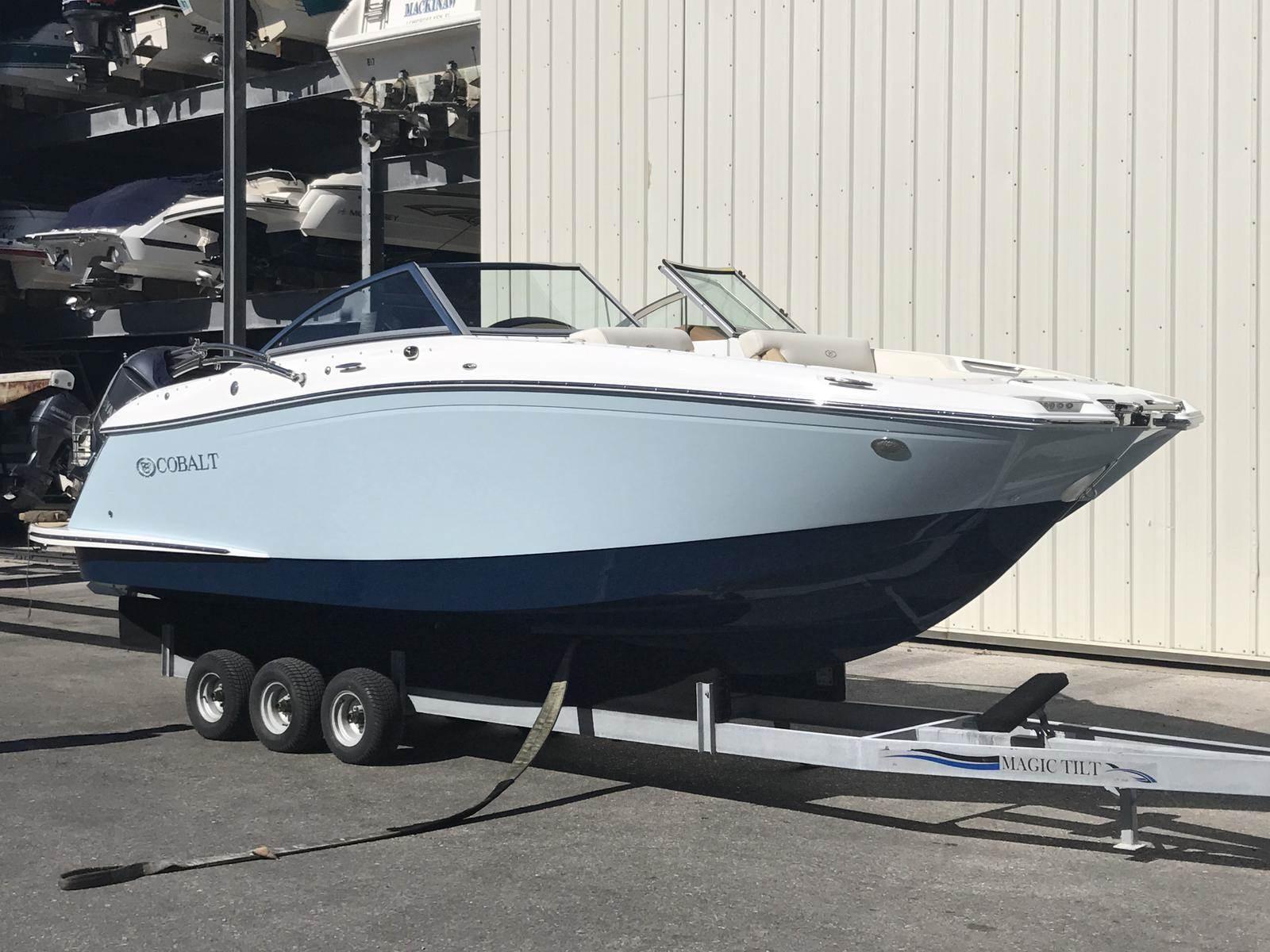 NEW 2018 Cobalt 23 SC - Sara Bay Marina