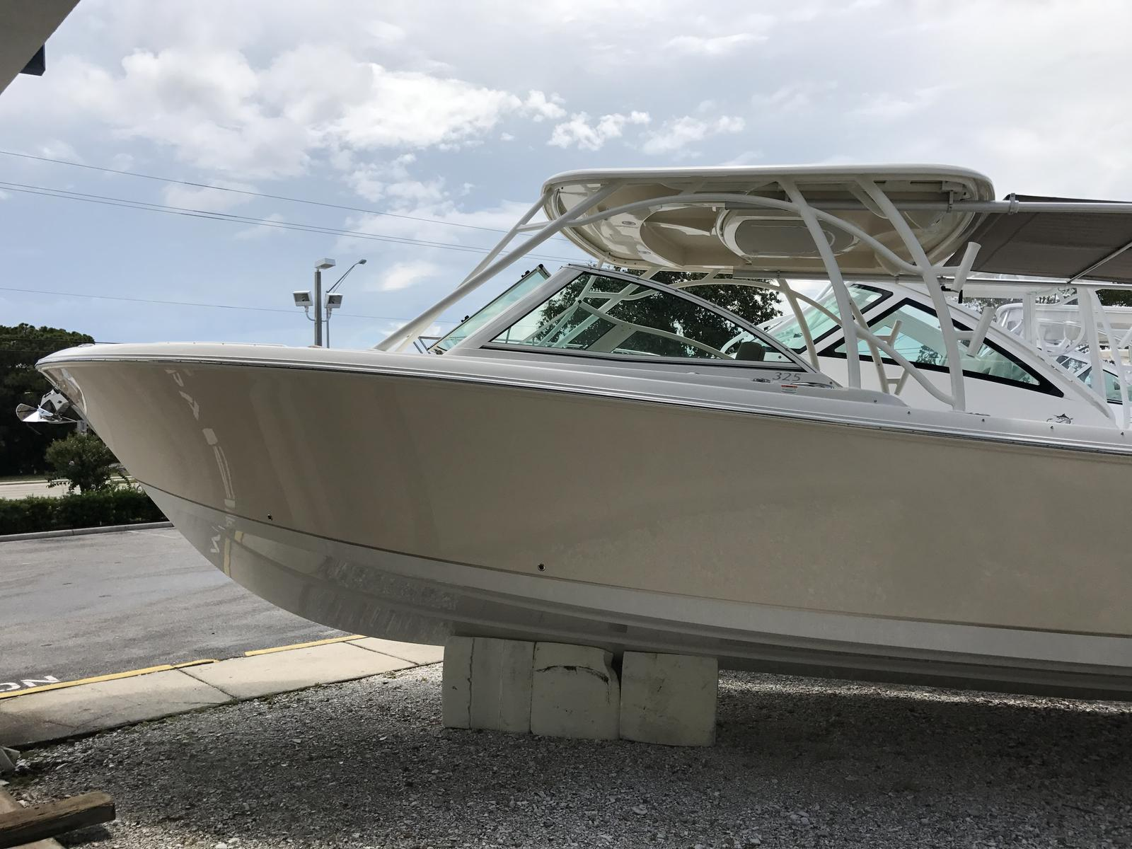 NEW 2018 Sailfish 325 DC - Sara Bay Marina