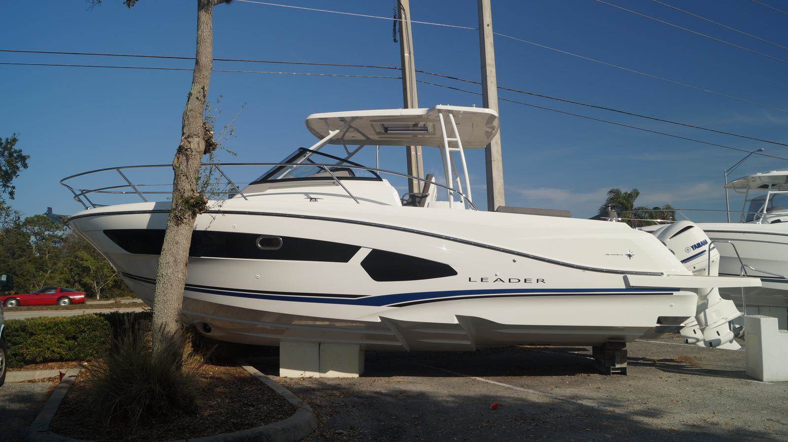 NEW 2019 Jeanneau Leader 10.5 - Sara Bay Marina