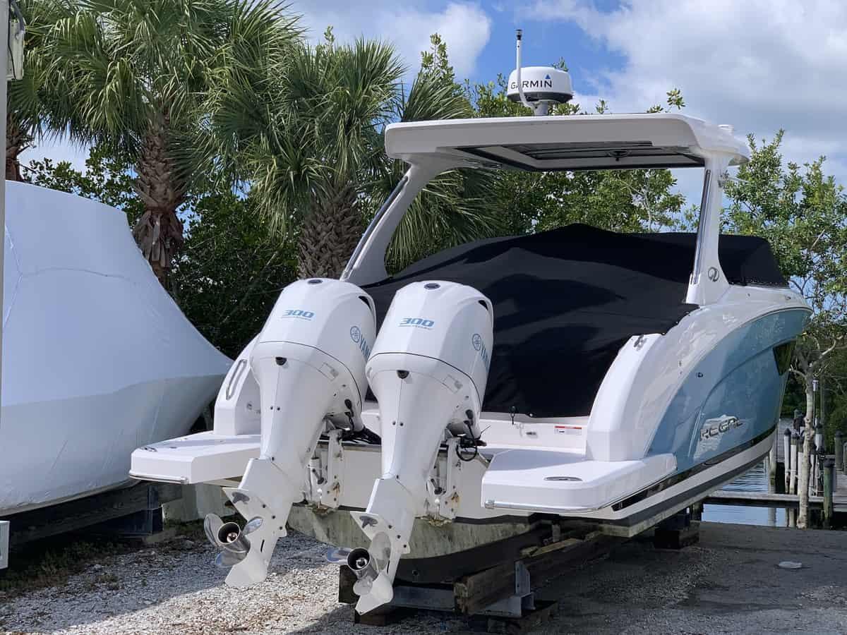 USED 2018 Regal 33 OBX - Sara Bay Marina
