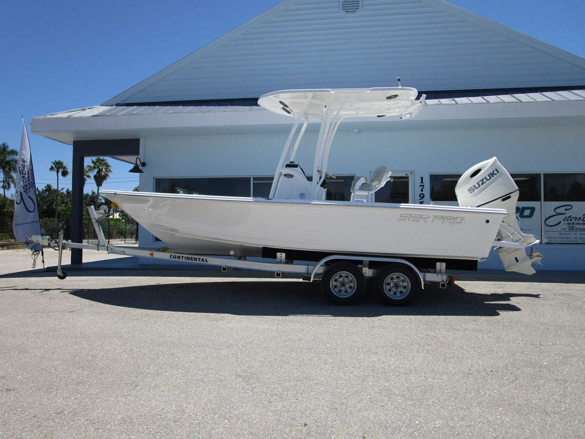 NEW 2019 SEA PRO 208DLX - Sara Bay Marina