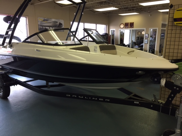 NEW 2017 Bayliner 175 BR with Tower - Shipwreck Marine