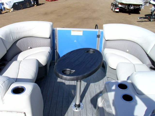 NEW 2019 Sylvan Mirage 8522 Port Bar LE-S Tri Toon - Shipwreck Marine