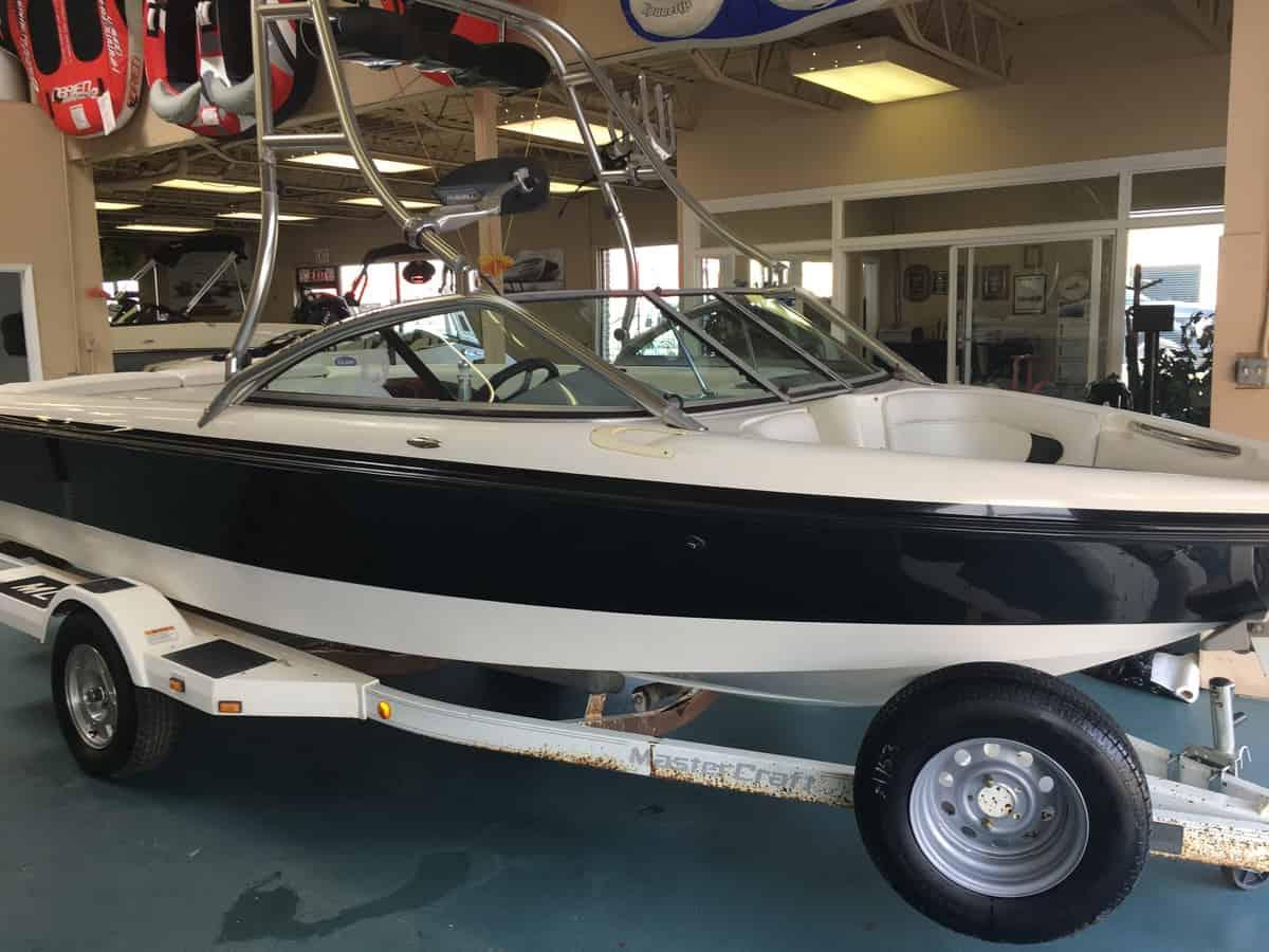 Tow Sport Boats Edmonton Boat Sales Shipwreck Marine Harness Airhead Used 2001 Mastercraft Pro Star 195