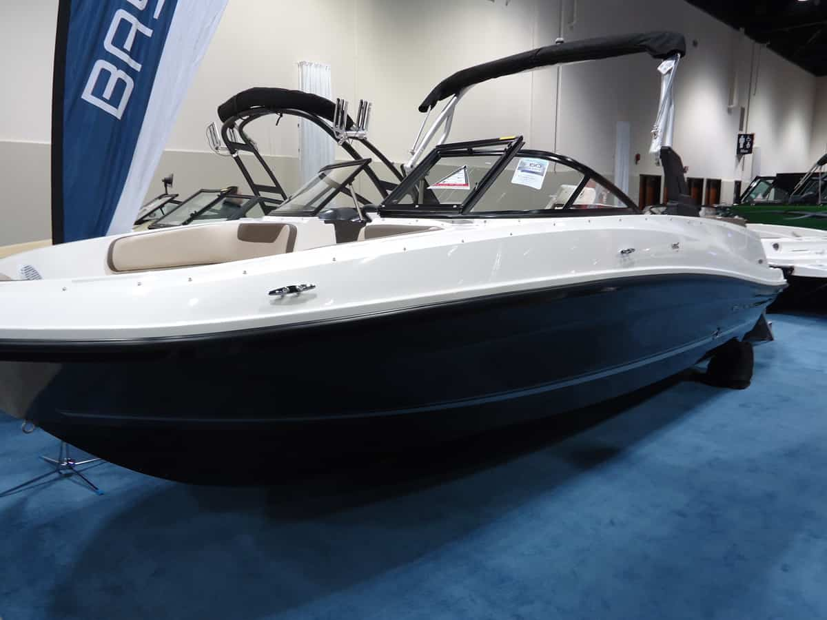 NEW 2019 Bayliner VR5 Watersports Tower - Shipwreck Marine