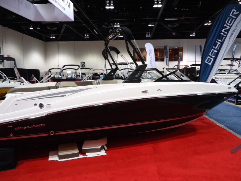 NEW 2018 Bayliner VR6 with Watersports Tower - Shipwreck Marine
