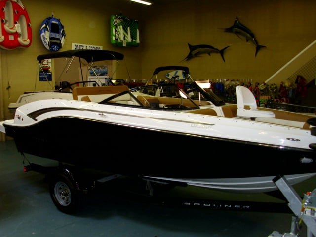 NEW 2019 Bayliner DX2050 Fish And Ski - Shipwreck Marine