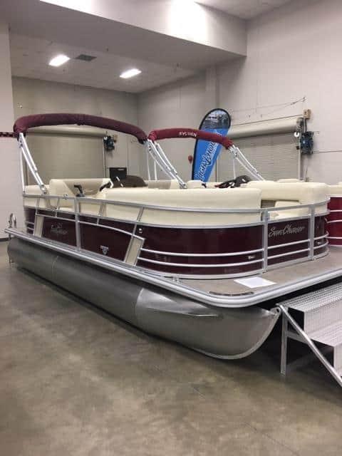 NEW 2019 Sunchaser Geneva 20 LR SB W/90 HP 4 Stroke Dual Swing Back Seats - Shipwreck Marine