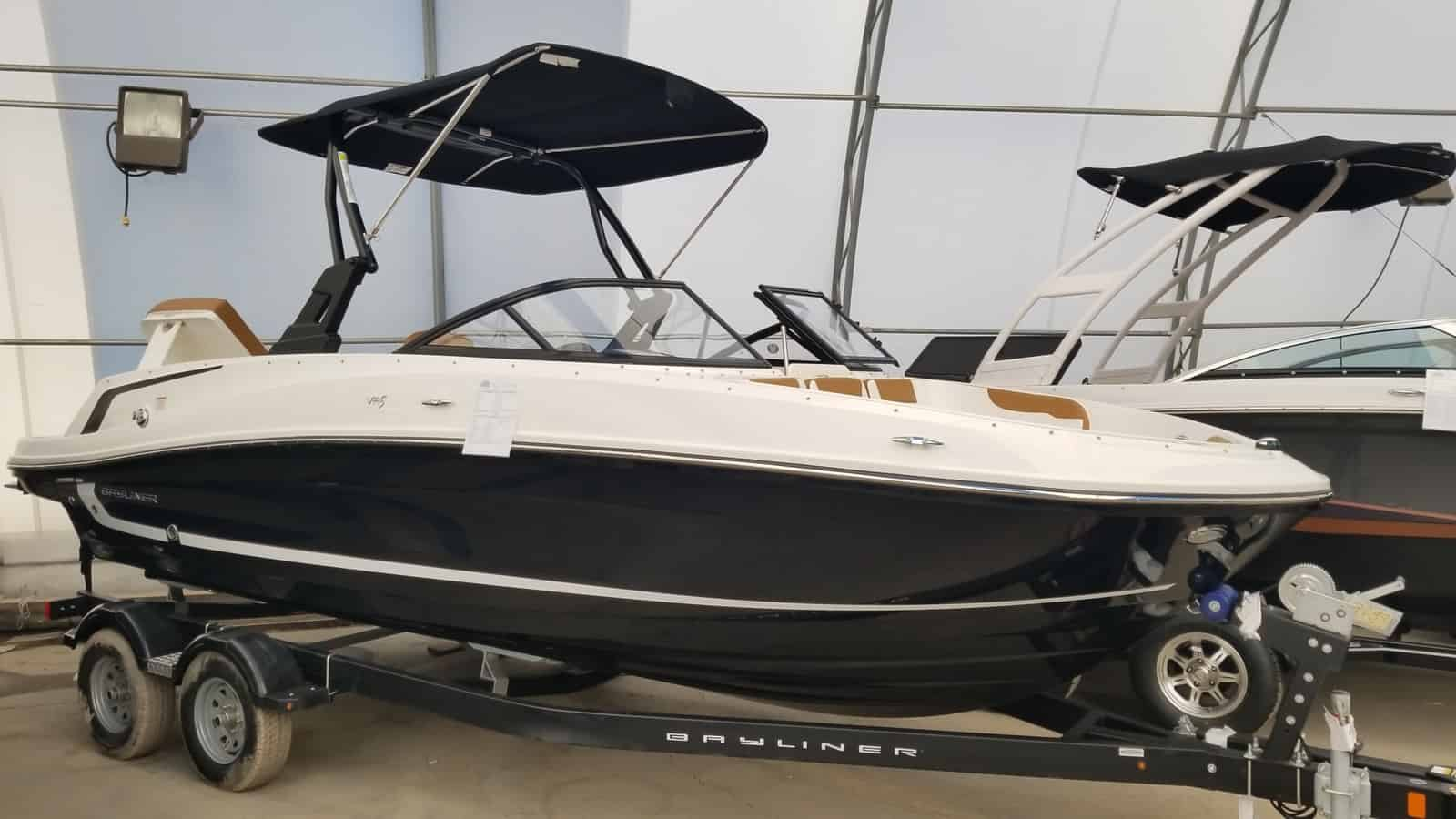 NEW 2019 Bayliner VR5 Xtreme Tower - Shipwreck Marine