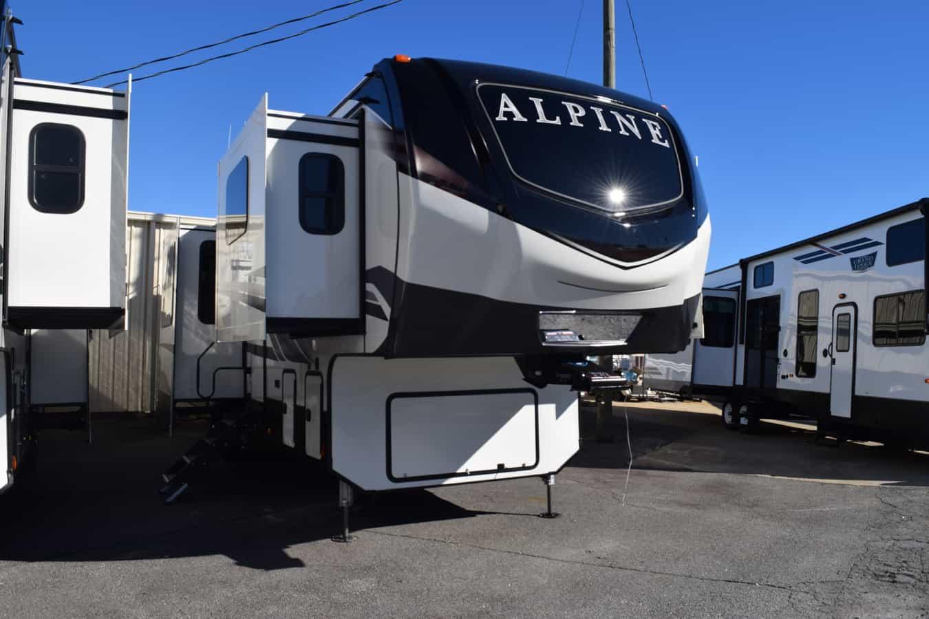 NEW 2021 Keystone ALPINE 3712KB