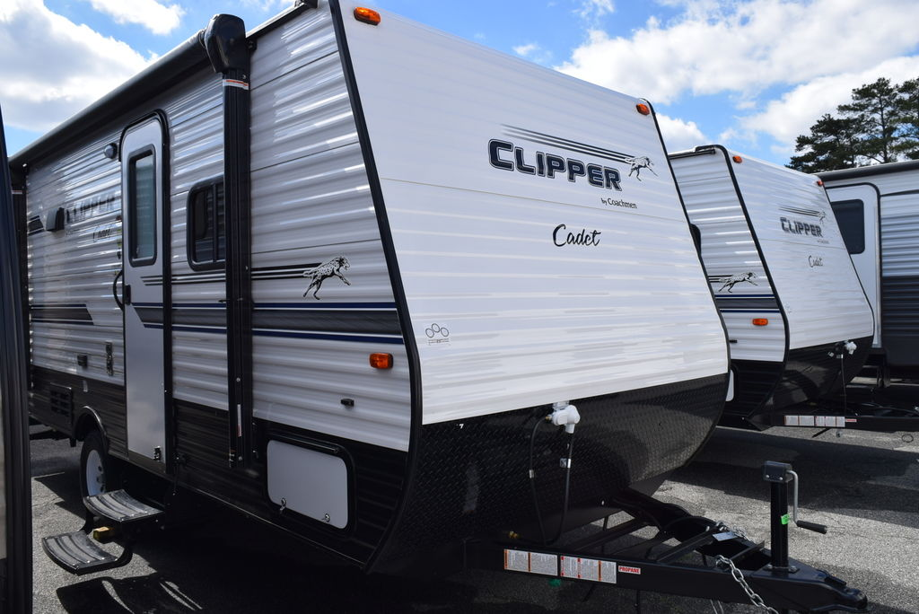 2018 FOREST RIVER CLIPPER 17CFQ CADET - Three Way Campers