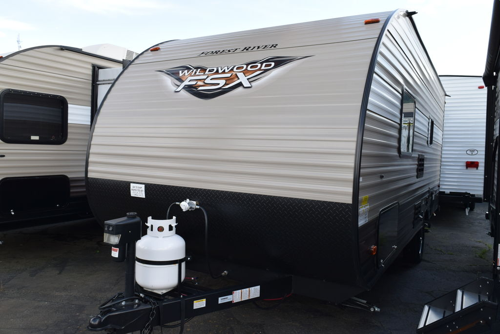 2018 FOREST RIVER WILDWOOD 187RB FSX - Three Way Campers