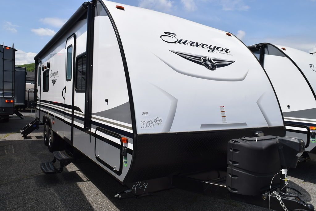 2018 FOREST RIVER SURVEYOR 264RKLE - Three Way Campers