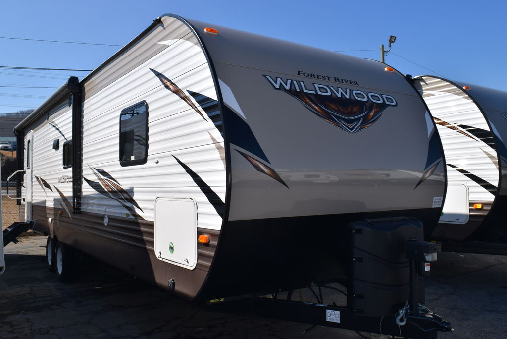 2018 FOREST RIVER WILDWOOD 28RLSS - Three Way Campers
