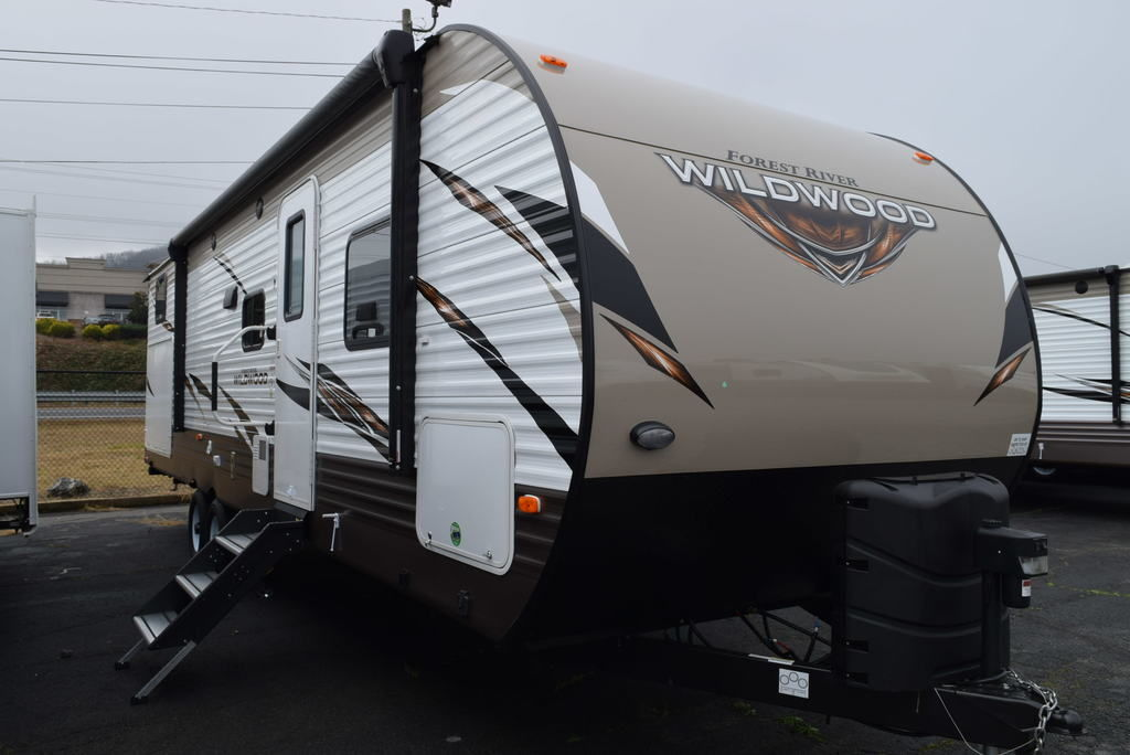 2018 FOREST RIVER WILDWOOD 30KQBSS - Three Way Campers