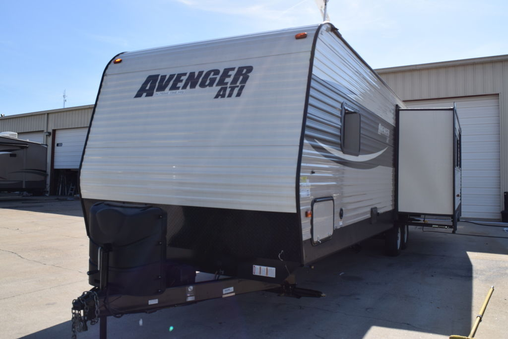 2017 Prime Time AVENGER 27RKS - Three Way Campers