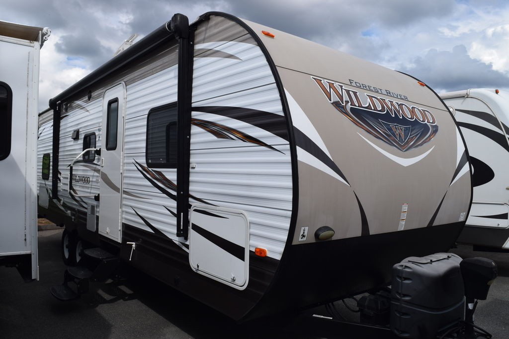 USED 2016 Forest river Wildwood 28DBUD - Three Way Campers
