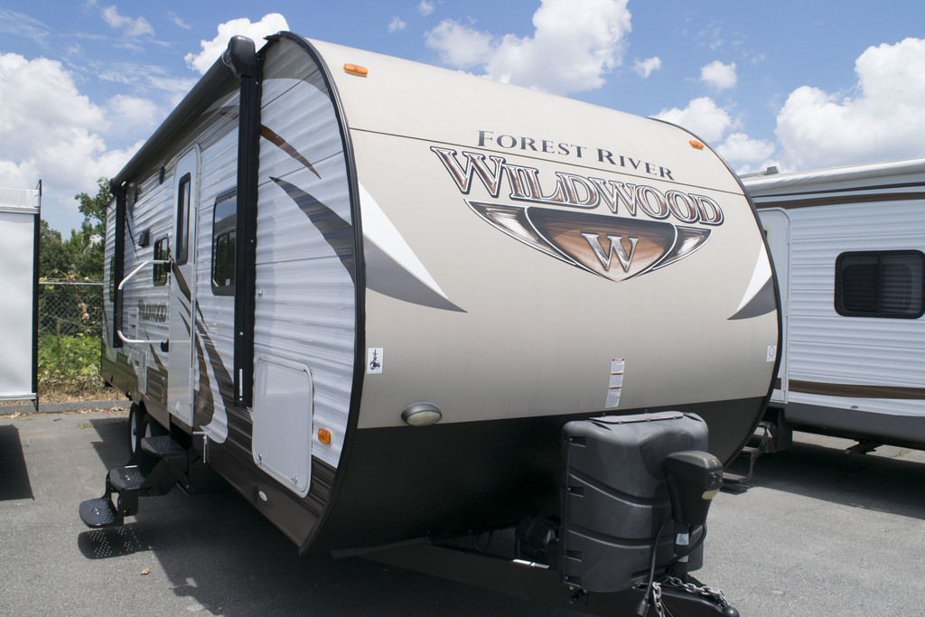 2015 WILDWOOD 26TBSS - Three Way Campers