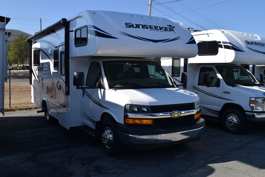 2019 FOREST RIVER SUNSEEKER 2350 LEC - Three Way Campers