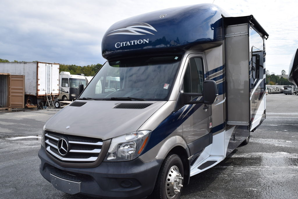 USED 2015 Thor motor coach Citation 24SR - Three Way Campers