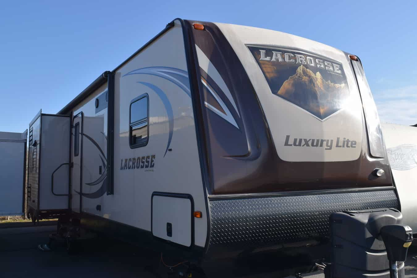 USED 2016 Primetime LACROSSE 329BHT - Three Way Campers