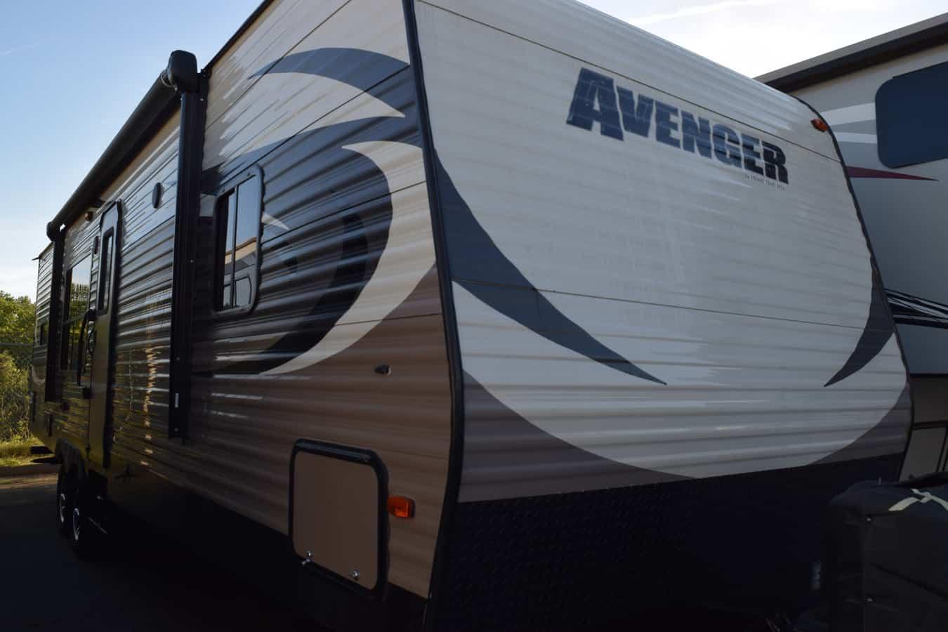 USED 2015 Prime Time AVENGER AVT28RKS - Three Way Campers