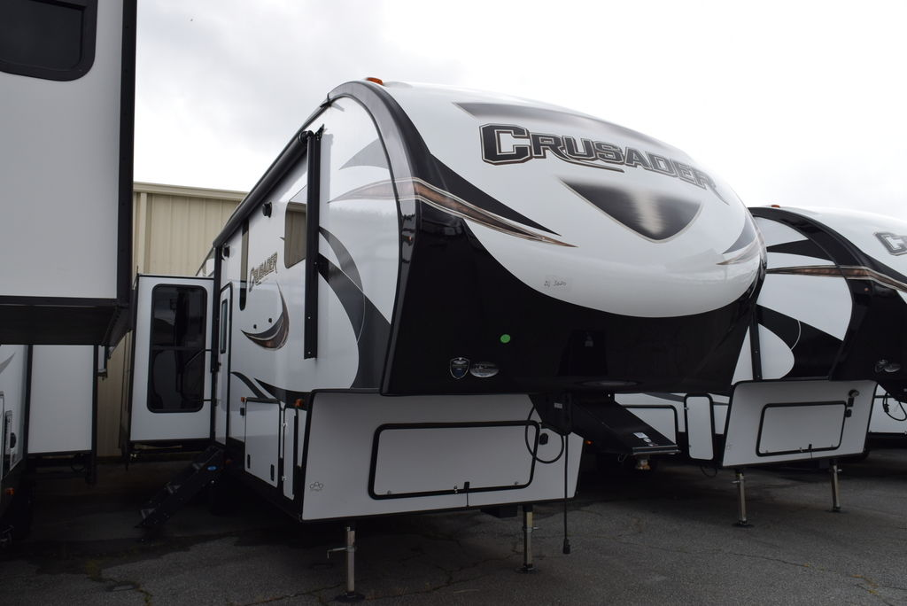 2018 PRIME TIME CRUSADER 319RKT - Three Way Campers