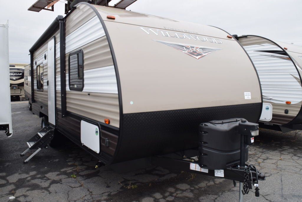 2019 Forest River WILDWOOD 241QBXL - Three Way Campers