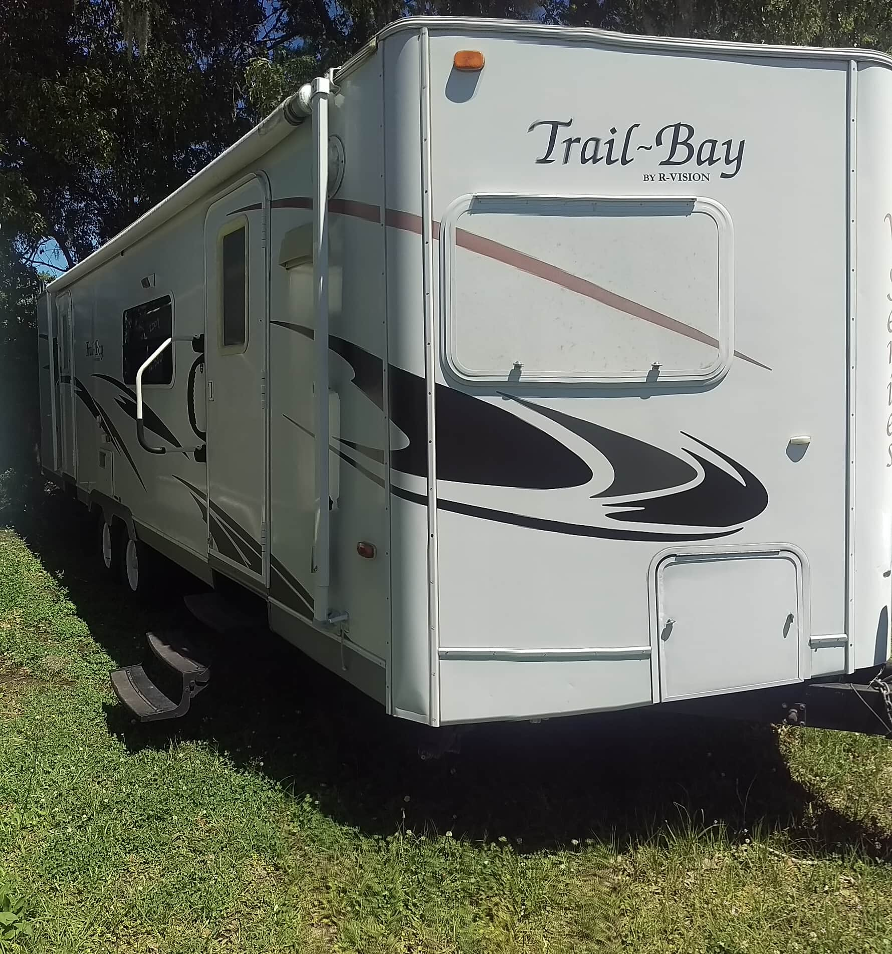 USED 2009 R-Vision Trail Bay 29FKS